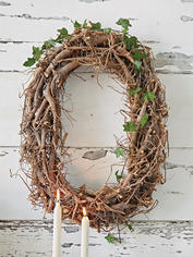 Stylish Natural Oval Wreath